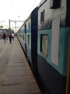 5-train-to-agra